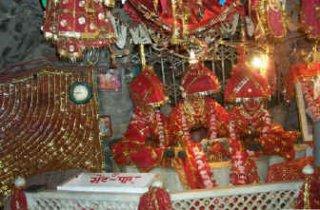 vaishnodevi-temple